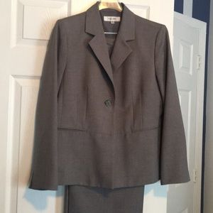 Jones Studio Pantsuit, Gray Color, jk 14, pants 16